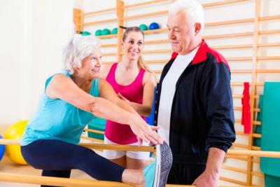 couple senior exercise